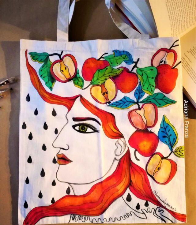 mele-dipinto_surrealista-capelli_foglie-mele-viso_femminile_donna-preraffaelliti-borsa_colorata-borsa_dipinta_a_mano-regalo_unico