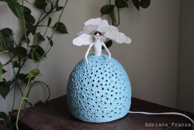 nuvola-nuvole_bianche-lampada-azzurra-shabbychic-homedecor-artigianato-siciliano-eco_design-riciclo-regalo_matrimonio-sicilia-donne_di_luce
