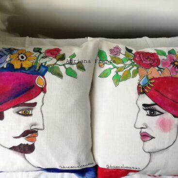 teste_di_moro_moderne-cuscini_dipinti a mano_rosso-testa_vasi-siciliani-sicilia-teste _di_moro-souvenir_siciliani-cuscini_dipinti_a_mano-homedecor_design-fiori_dipinti