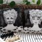 cuscini_originali-vasi_siciliani-folklore_siciliano-teste_di ceramica-portafiori-sicilia_araba-tradizioni_siciliane-teste_di_turco_innamorati_di_palermo_leggende_antiche-souvenir_siciliano-cuscini_dipinti_a-mano-arredamento_design_bianco_e_nero-pezzi_unici