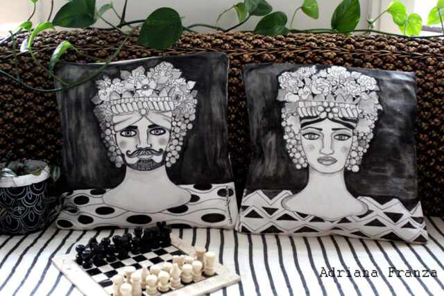 original_cushions_head_vases-sicilian-folklore_sicilian_heads_ of ceramic-flower_holders_sicily_arabian_traditions_sicilian_moorish_heads_turkish_heads-ancient_legends_lovers_of_palermo-artistic_souvenirs_sicilian-cushions_hand_painted-homedecor_design_white_and_black-unique-gift