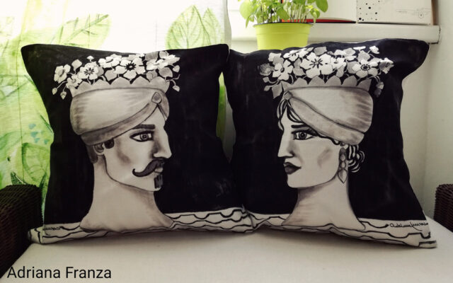 original_hand_painted-cushions_black_and_white-graphic-head_vases-sicilian-sicily-sicilian_moorish_heads_turkish_heads-artistic_souvenirs_sicilian-cushions_hand_painted-homedecor_design-unique-gift-majolica_style