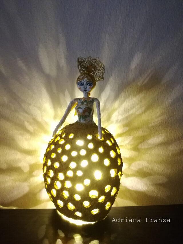 lampada-ocra-lucilla-siciliana-cartapesta-regalo-casa-homedecor