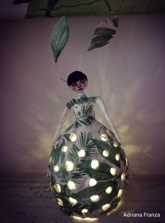 sicilian_cool_design_object-ecodesign-shabby_chic_lamp-hand-made-papier-mâché-home_decor-sicilian_recycle_design-fairytale-mood-lights-table_lamp_one_of_a_kind_unique_present_artistic_souvenir_sicily-noto-sicilian_gifts-hand_painted_statuette-paper-mache-flora-green_leaves