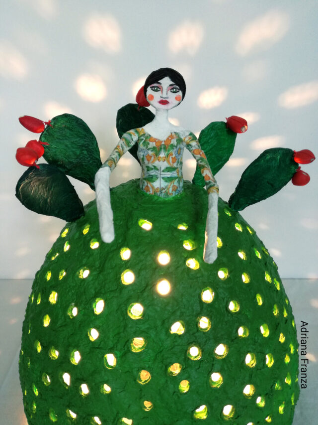 sicilian_cool_design_object-ecodesign-hand-made-papier-mâché-home_decor-sicilian_recycle_design-fairytale-mood-lights-table_lamp_one_of_a_kind_unique_present_artistic_souvenir_sicily-noto-sicilian_gifts-prickly_pears